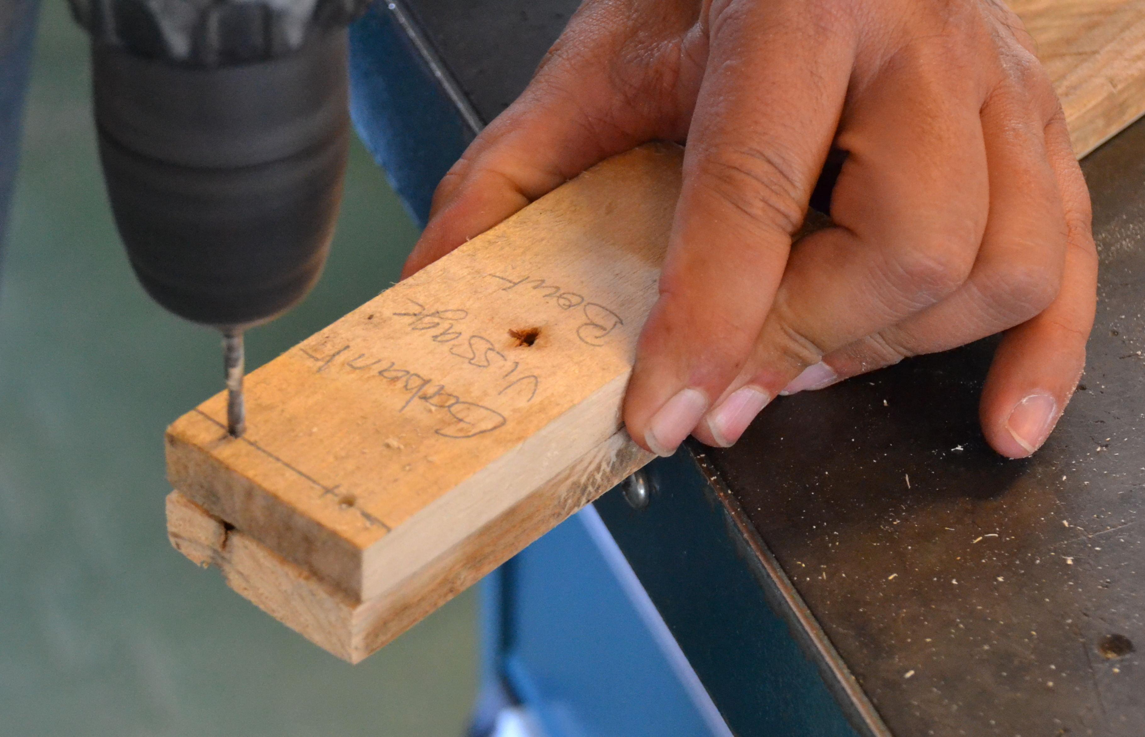 Chapter open whood chair instructions de debit du bois de palette fabrika - Planche de palette bois ...